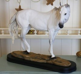 Конь большой SM00051