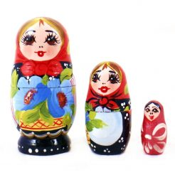 Матрёшка – Украинка в цветах из трех  (дерево) 7 см.