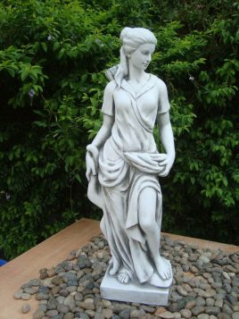 Садовая  статуя Богиня охоты  27x20x83cm Гранд Презент SS12041