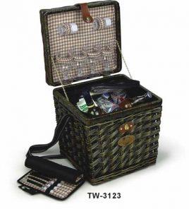 Корзина для пикника с наполнением на 4 персоны, темная лоза, термоизольована.Розмир: 35 * 31,25 * 37,5см TW- 3123