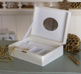 Шкатулка для хранения ювелирных украшений 18*13*5,8 603432 молочная
