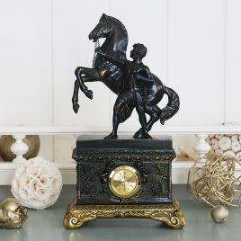 """Часы """" Спартанец с конем"""""""