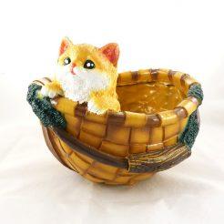 Кашпо корзина с котенком (полистоун)